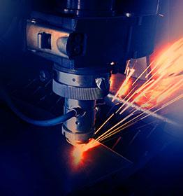 Taglio e incisione laser su multi materiale a Pordenone