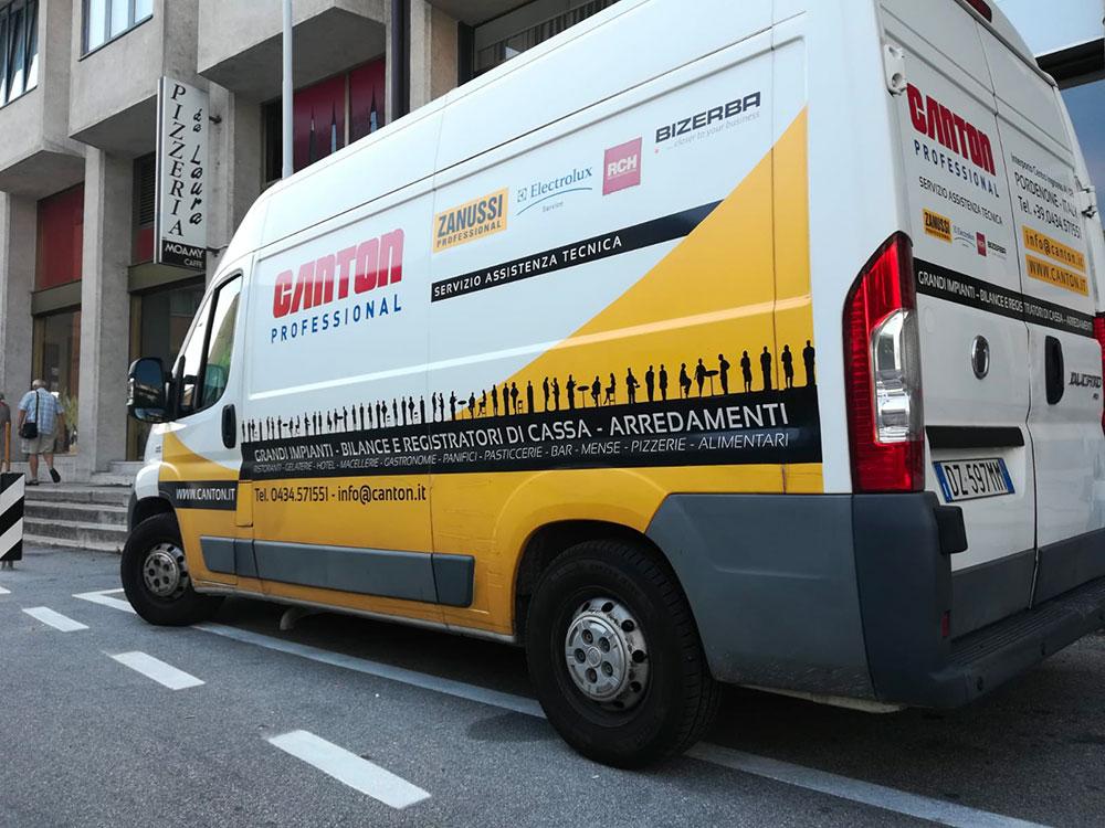 Decorazione furgone aziendale